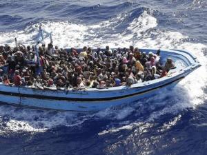 La NATO contro i profughi nel Mar Egeo