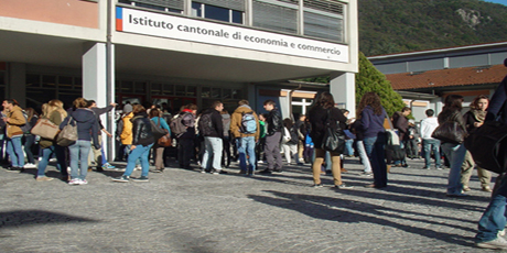 Per uno sdoppiamento della Scuola Cantonale di Commercio (SCC): creare una seconda sede nel Sottoceneri