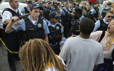 Chicago, poliziotta uccide afroamericano, riot a South Side
