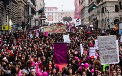 """""""Voi Vandea, noi marea"""": in 200 mila a Roma al corteo di Non Una Di Meno"""