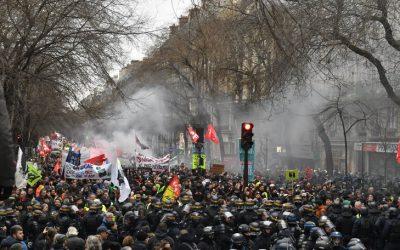 Il movimento contro la riforma Macron sulle pensioni non si spegne… ma non si estende