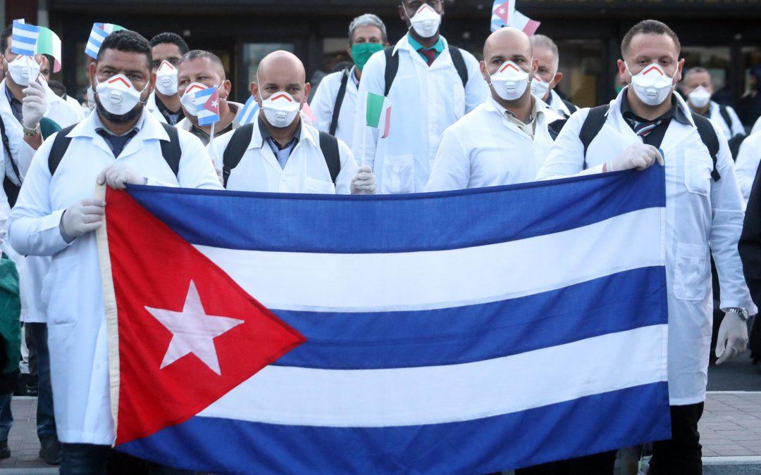 Medici cubani all'estero: apparenza e realtà