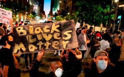 No, non dobbiamo condannare le rivolte contro gli omicidi della polizia come quello di George Floyd