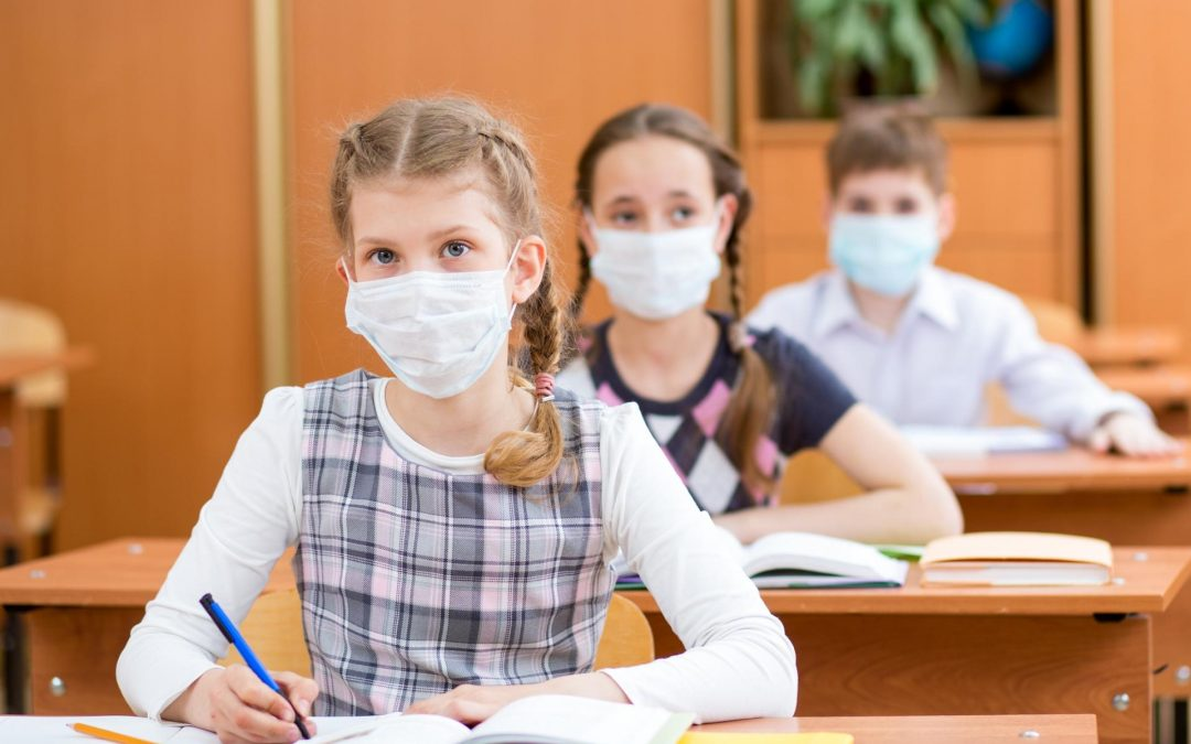 Cosa aspetta il DECS a decretare l'obbligo dell'uso della mascherina anche per gli studenti di alcuni ordini di scuola?