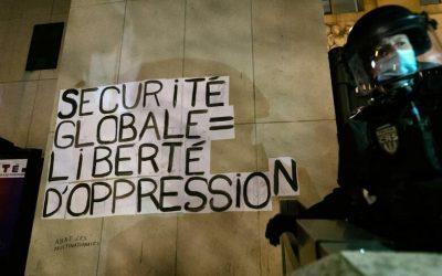 La Francia si rivolta contro l'autoritarismo di Macron