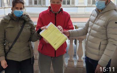 Consegnata la petizione per la riapertura del Pronto Soccorso dell'Ospedale italiano di Viganello. Difendiamo le strutture sanitarie pubbliche!
