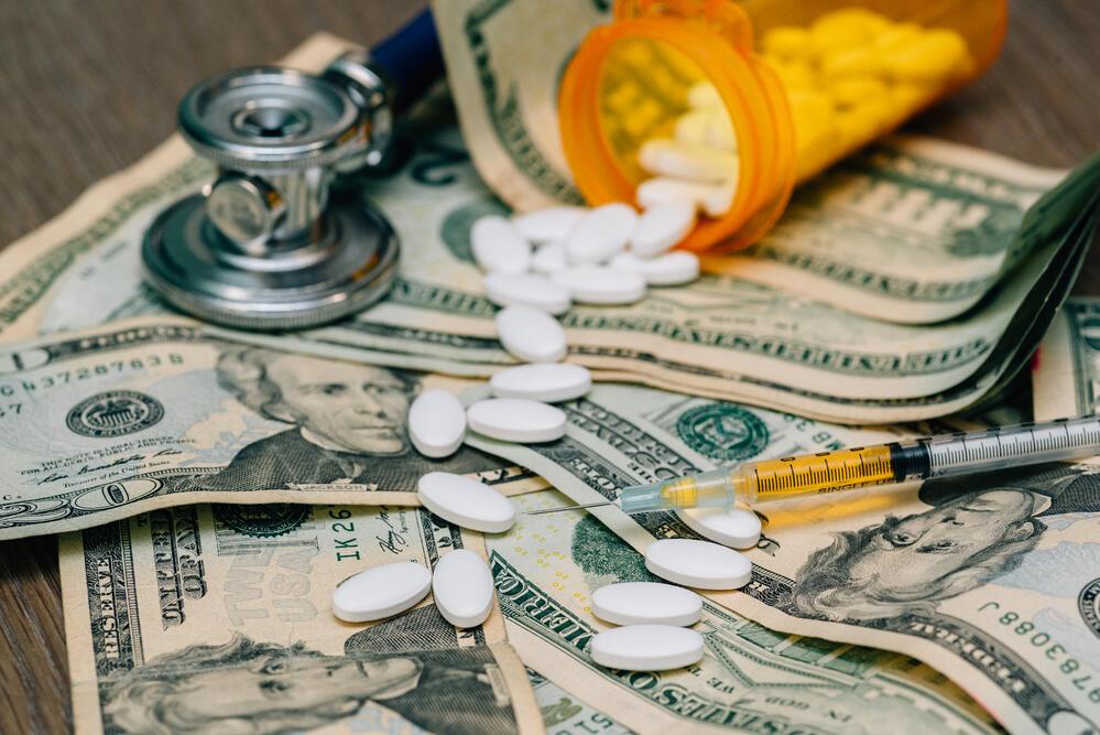 Gli interessi di Big Pharma e le scelte dei governi creano la penuria di vaccini